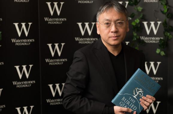 Кадзуо Исигуро: За что писатель получил Нобелевскую премию по литературе