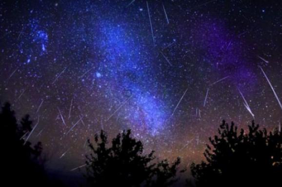 Унеділю українці зможуть побачити метеоритний дощ