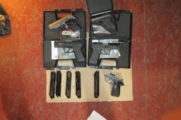 У Дніпрі нацгвардієць і двоє цивільних незаконно виготовляли та продавали вогнепальну зброю