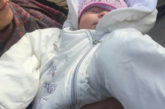 Немовля наОболоні викрала пара, яка втратила свою дитину