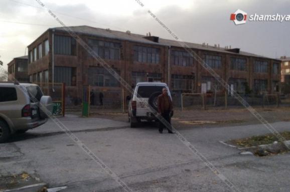 У Вірменії чоловік зножем увірвався вдитсадок і захопив заручників