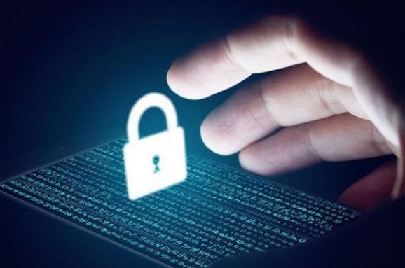 Російські хакери Fancy Bear намагалися зламати пошти Порошенка Авакова та інших, -ЗМІ