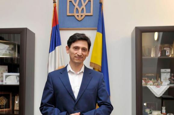 Опозиція Сербії вимагає вислати зкраїни посла України