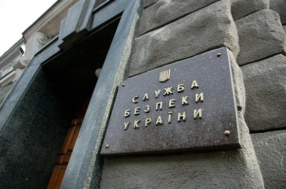 Президент підписав закон про обов'язкову перевірку СБУ гастролерів зРосії