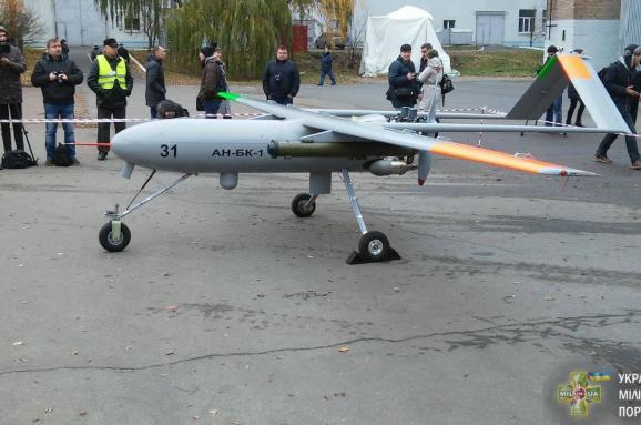 Під Києвом випробовують новий український військовий безпілотник «Горлиця», щоможе нести зброю