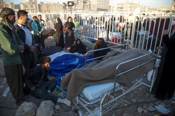 Мы думали, что это гигантская бомба. Как землетрясение в Иране и Ираке убило более 300 человек
