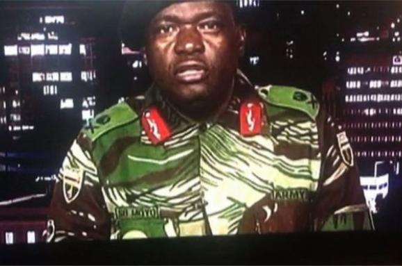 Президента Зімбабве захопили військові. Він готується до відставки