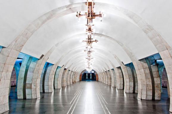 УКиєві закрили станцію метро «Либідська» через повідомлення про замінування
