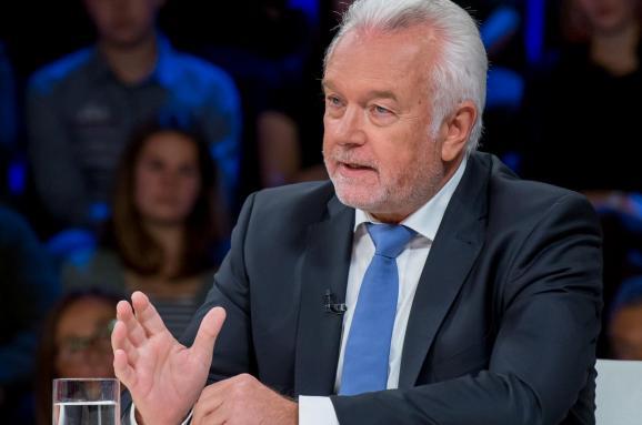 The Guardian: Віце-спікер парламенту Німеччини лобіює «Північний потік-2»