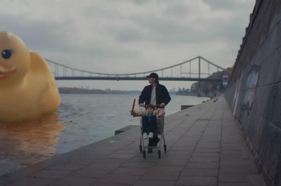 Відомий французький репер відзняв видовищний кліп уКиєві