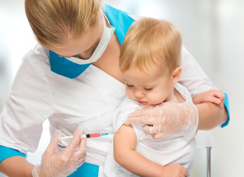 2 тыс. украинцев заболели корью, потому что отказались от вакцинации. Чем опасна болезнь