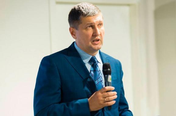 Депутат Попов розповів про можливі мотиви сина, який пограбував магазин вКиєві
