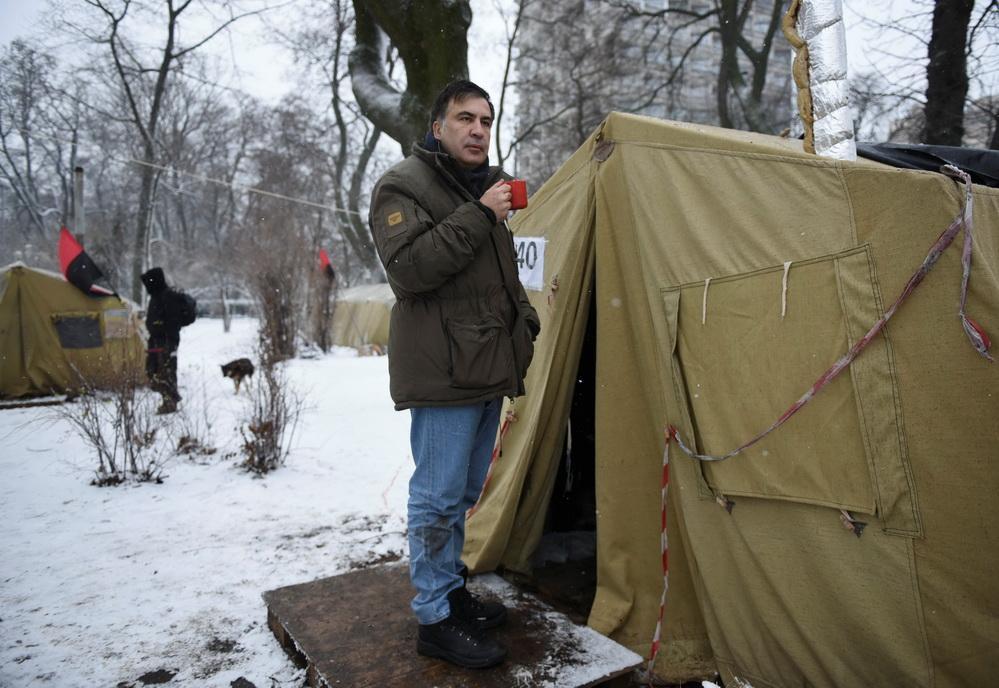 Что происходит в палаточном городке сторонников Саакашвили. Фоторепортаж