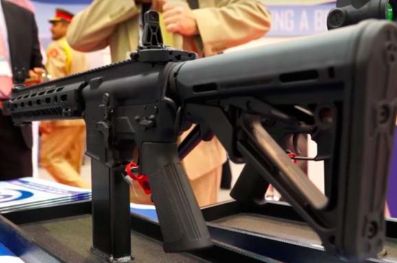 Комітет парламенту Канади рекомендує надати Україні летальну зброю табезвіз