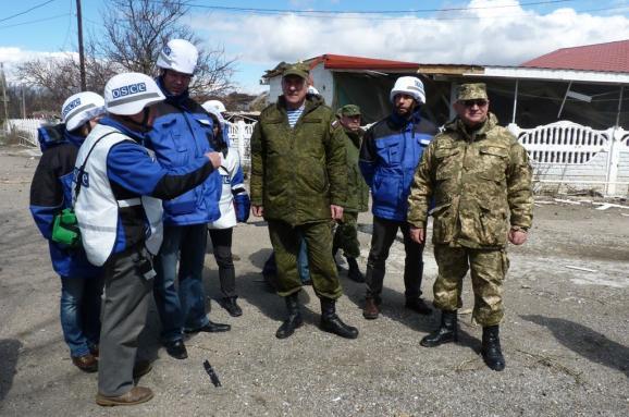 Росія висунула умови повернення своїх офіцерів уСЦКК