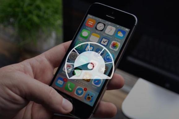 УФранції почали розслідування проти Apple через уповільнення роботи смартфонів