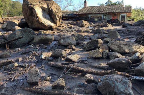 17 погибших и сотни разрушенных домов: фото оползней в Калифорнии