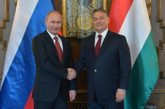 Орбан назвав дурістю демонізацію Путіна Європою