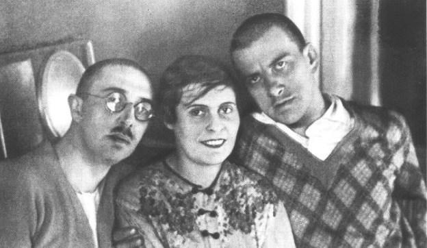 Порно русское в троем с женой и любовницей одновременно