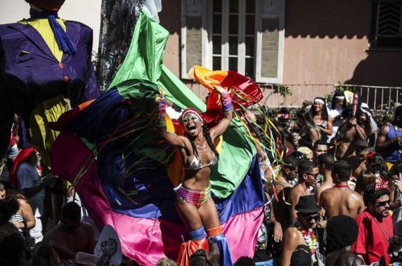 У Ріо розпочався знаменитий карнавал