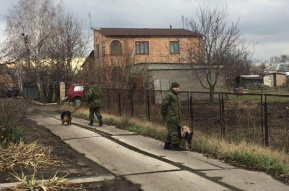 Поліція розкрила резонансне вбивство родини на Донеччині, затримано трьох підозрюваних