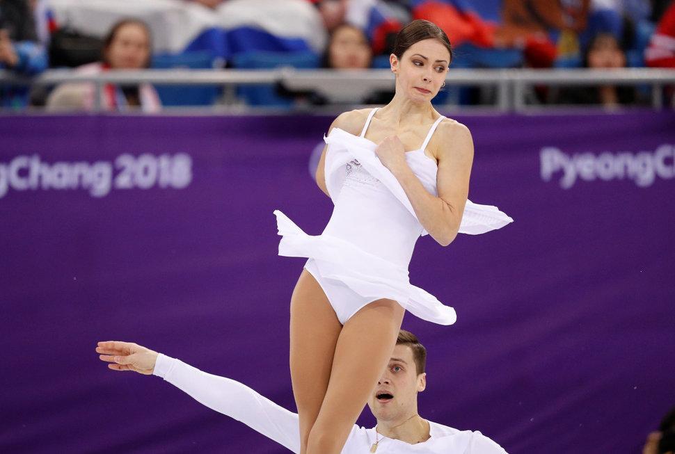 Самые смешные лица Олимпиады-2018. Крупным планом о том, как фигуристы получают свои награды