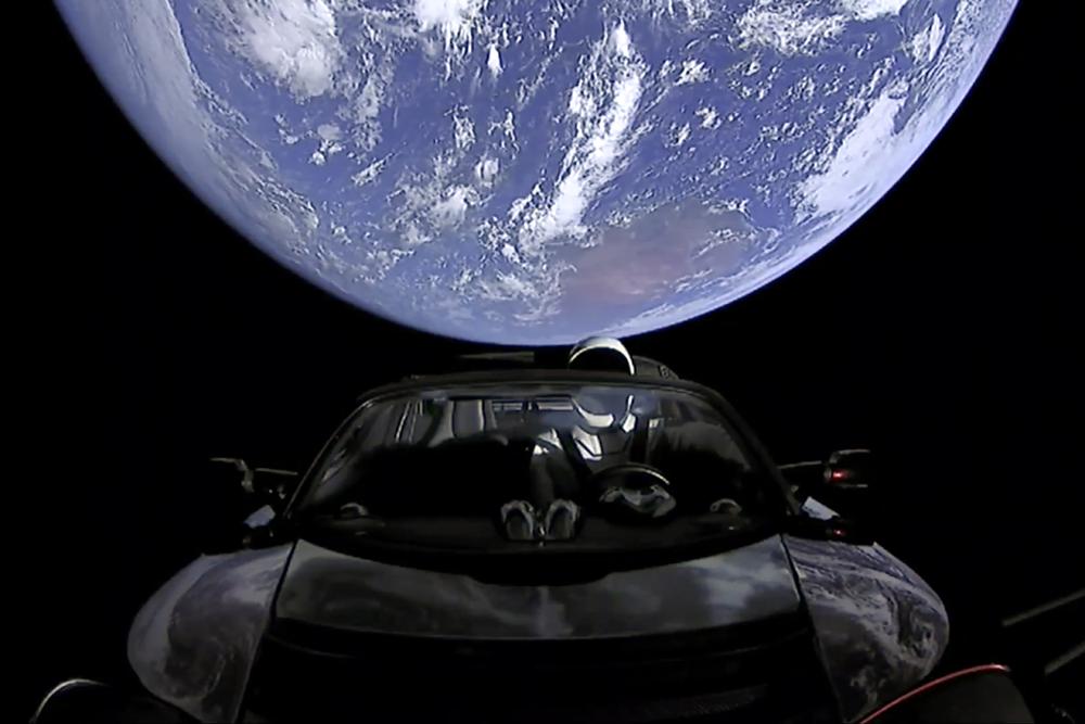 Запольотом Tesla вкосмосі можна стежити онлайн