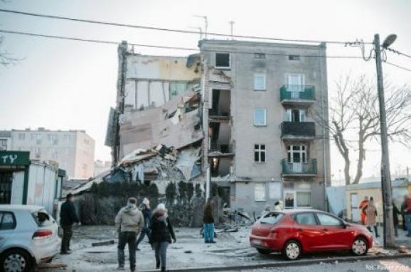 УПольщі стався вибух ужитловому будинку, є жертви: опубліковано фото