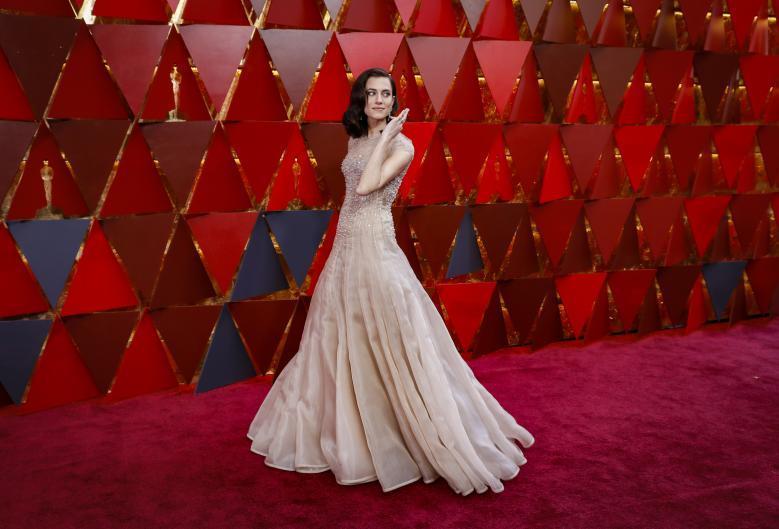 """""""Леди-птица"""" в платье Calvin Klein и Мерил Стрип в красном. 34 интересных образа на красной дорожке """"Оскара"""""""