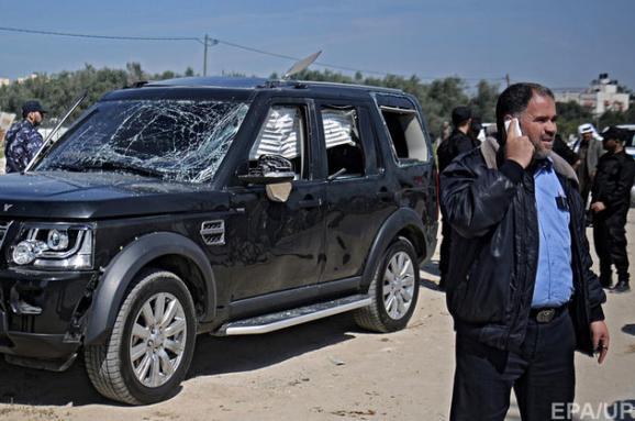Бойовики підірвали кортеж прем'єра Палестини