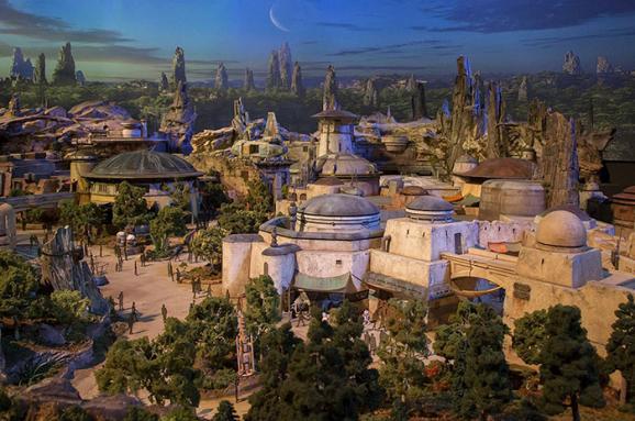 Disney будує два парки за мотивами