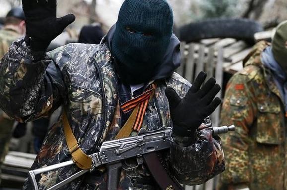 Розвідка: Росіяни відбирають паспорти убойовиків наокупованому Донбасі