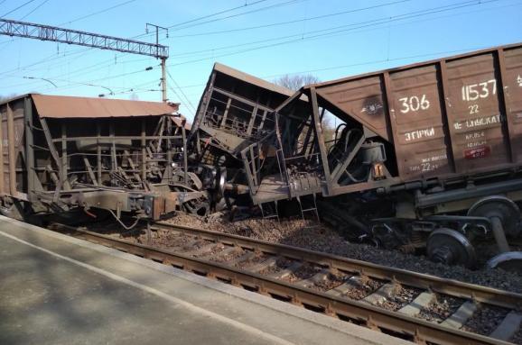 Укрзалізниця попередила про затримку пасажирських потягів через аварію наЛьвівщині