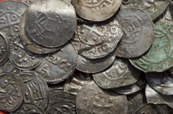 Археологи знайшли тисячолітній скарб вікінгів на острові у Балтійському морі