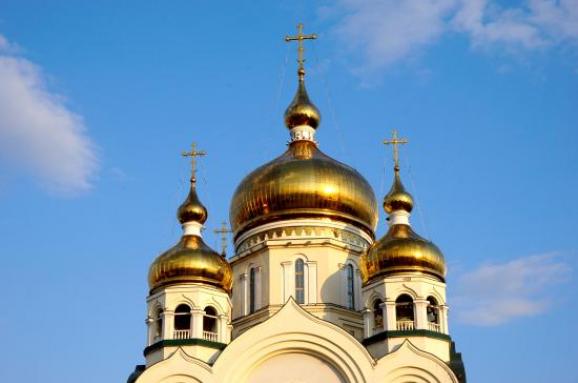 Окупанти на Донеччині погрожують відібрати у вірян храми УПЦ КП