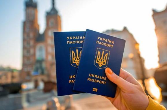 В Европу за 7 евро. Как могут измениться правила въезда в Шенген для украинцев