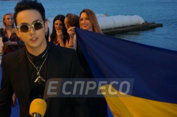 Появились первые фотографии с «красной дорожки» Евровидения-2018 в Лиссабоне. Эксклюзивный фоторепортаж