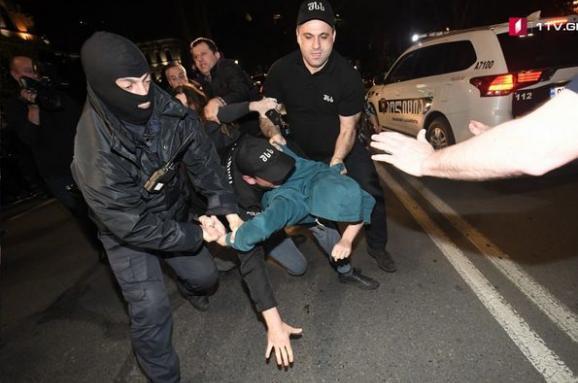 Рейд проти рейву: уТбілісі протестувати через дії силовиків у нічних клубах