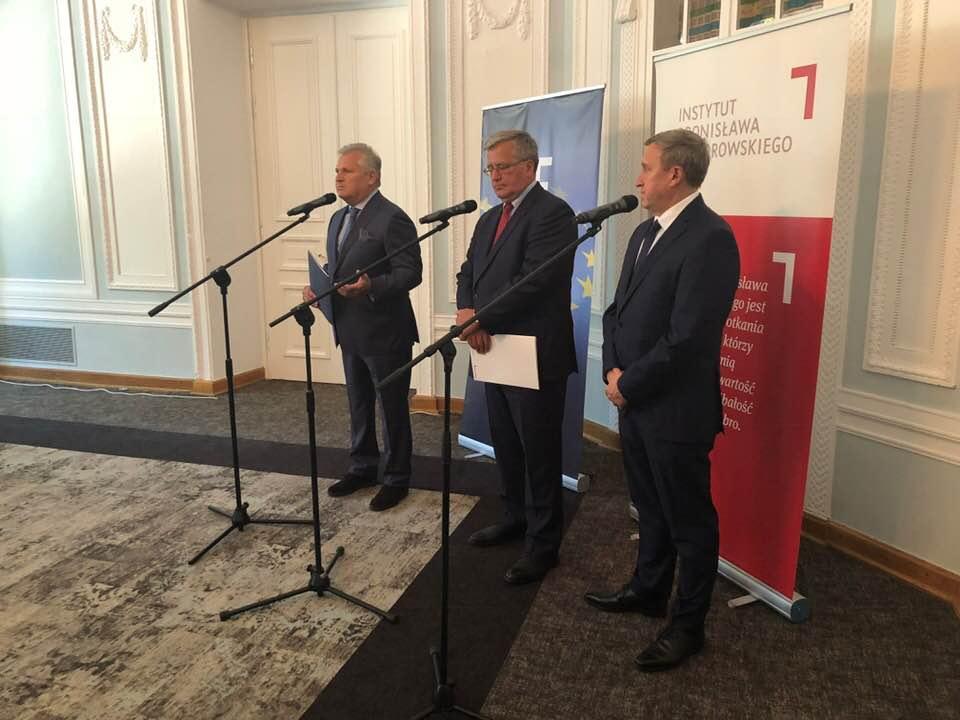 Квасневський, Коморовський та Дещиця в понеділок, 28 травня 2018 року, у Варшаві
