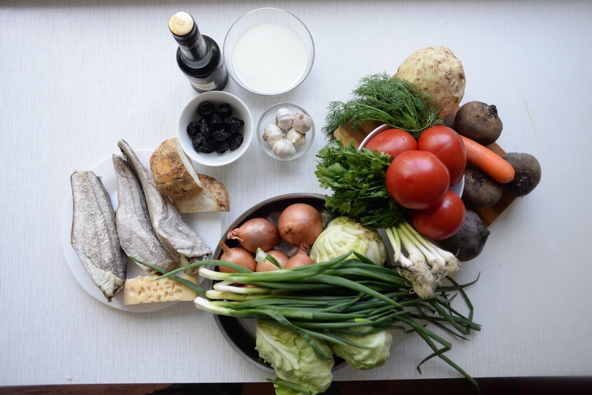 Постный борщ без картофеля и рыбный гратен с сельдереем