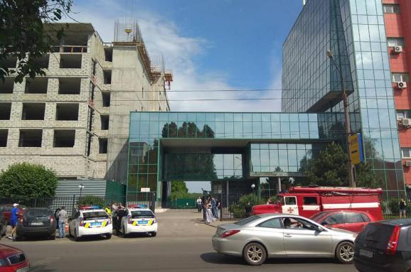Анонім ушосте затиждень повідомляє про мінування 5 бізнес-центрів уХаркові