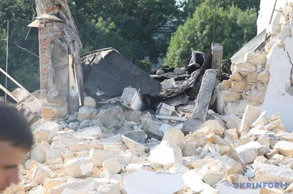 В Одесі через вибух обвалилась будівля Гідрометцентру