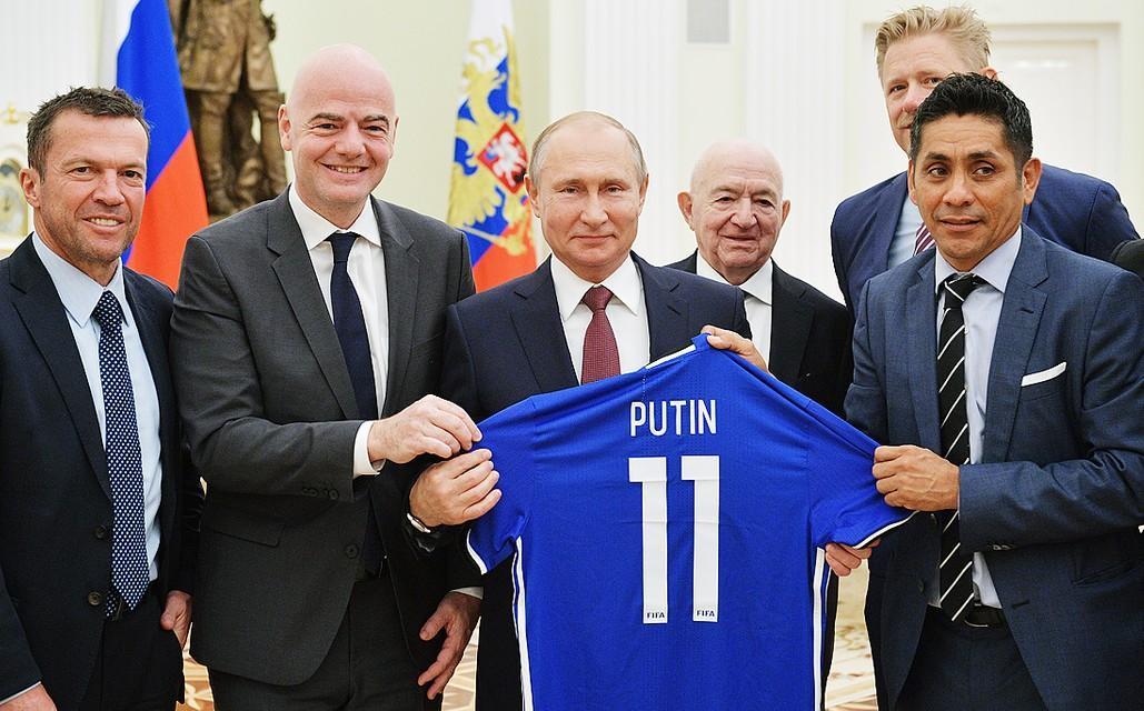 """Как ЧМ-2018 доказал, что ФИФА врет про """"футбол вне политики"""""""