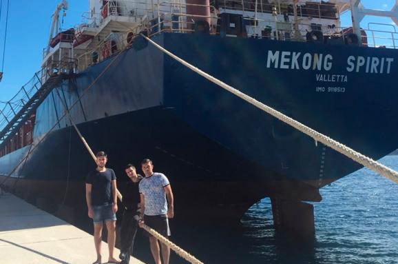 ВУкраїну повертаються 12 моряків, затриманих напонад рік уГреції - Клімкін