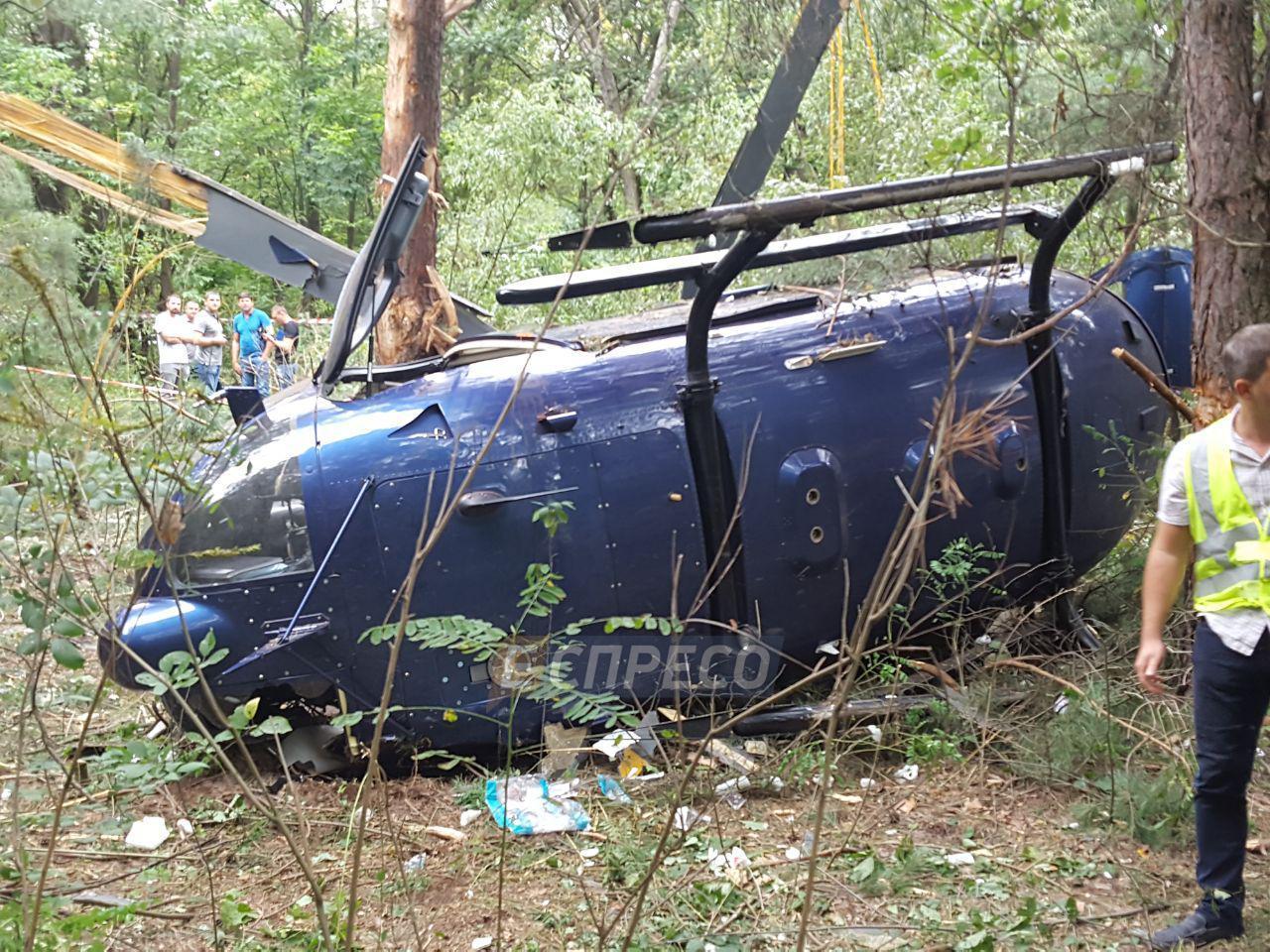 фото вертолета разбитого под псковом г остров пытаюсь