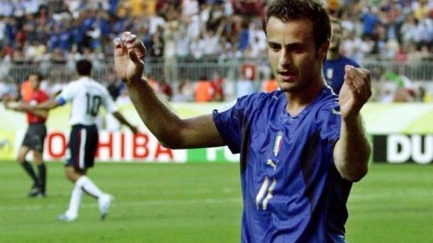 Чемпион мира по футболу завершил карьеру