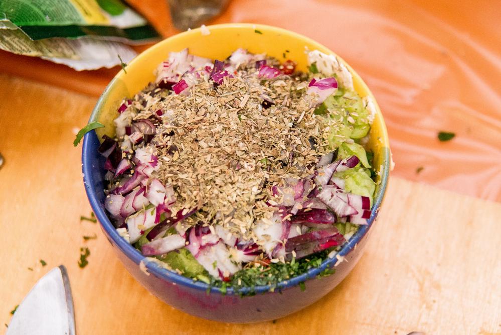 Пангасиус гриль со сметаново-йогуртовым соусом