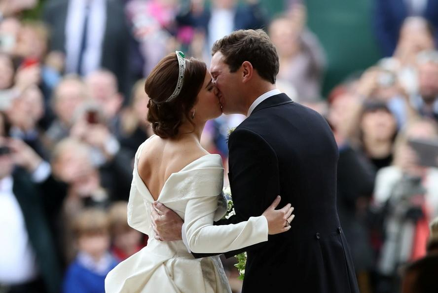 Внучка Елизаветы II принцесса Евгения выходит замуж: кто жених и как выглядит церемония. Фоторепортаж