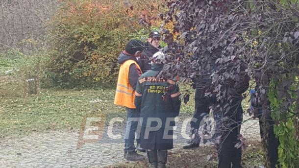 В киевском парке женщина нашла самодельную могилу