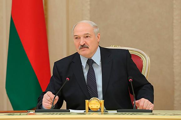 Виталий Портников: Лукашенко боится российской базы